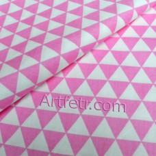 Розовые треугольники ткань для рукоделия с геометрическим рисунком