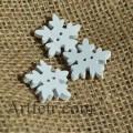 Деревянная пуговица Снежинка 18 мм Белая
