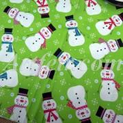 Хлопковая ткань со Снежинками и Снеговиками Рождество на светло - зеленом фоне