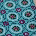 Ткань с цветочным орнаментом в виде плитки